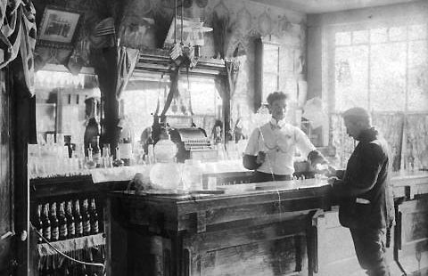 Liquor licensing should be left to municipalities, say Vancouver City Council – March 26, 1888