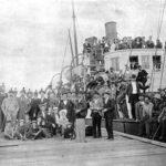 1895 Picnicers aboard the Cutch