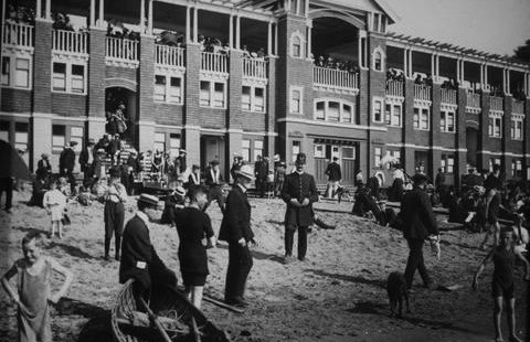 English Bay bath houses may never be built – June 13, 1892