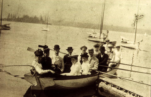 "Vancouver's dolphins ""impede navigation"" in harbour – February 5, 1900"